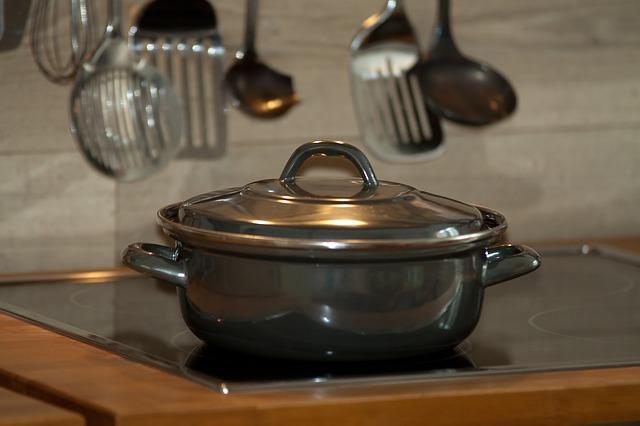 10 Panci Presto Berkualitas yang Membuat Masakan Cepat Matang